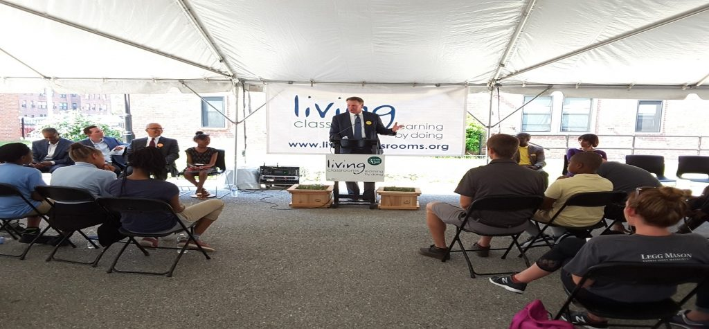 Legg Mason pledges $1 million to Living Classrooms center in East Baltimore
